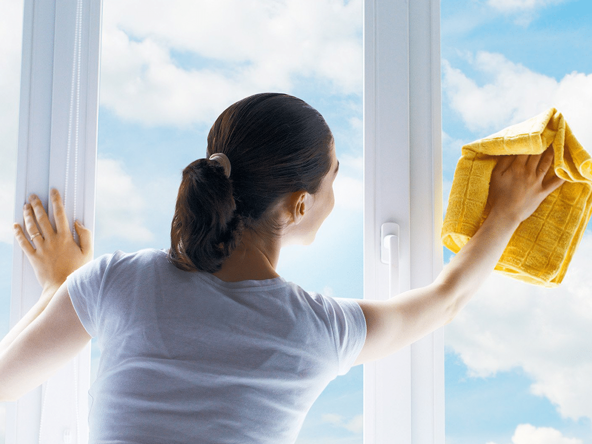 cách lau cửa kính sạch